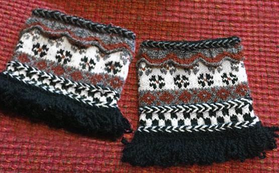 Latvian-Wristers-Knitting-Class-2