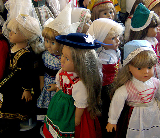 Nordic-Folk-Doll-Costumes